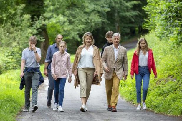 La famille royale en balade en province du Luxembourg pour soutenir le tourisme