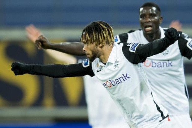 Jupiler Pro League - Racing Genk buigt achterstand om in Gent en wint met 1-2