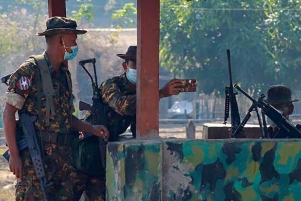 Coup d'Etat en Birmanie: des antennes-relais de nouveau détruites par les opposants à la junte