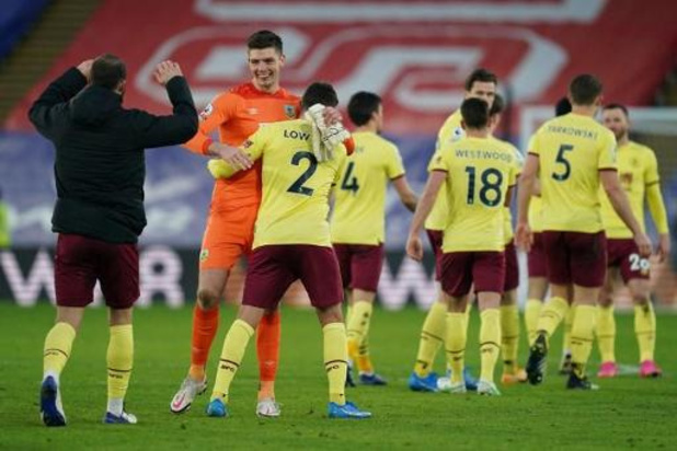 Belgen in het buitenland - Crystal Palace in eigen huis zwaar onderuit tegen Burnley