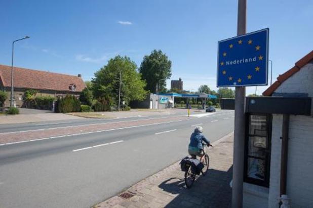 Les Pays-Bas recommandent la quarantaine aux touristes belges de la province d'Anvers