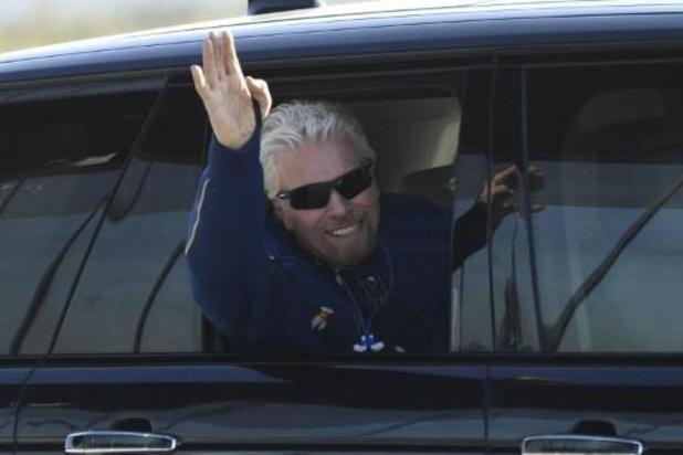Branson steekt Bezos de loef af: in eigen raket op weg naar de ruimte