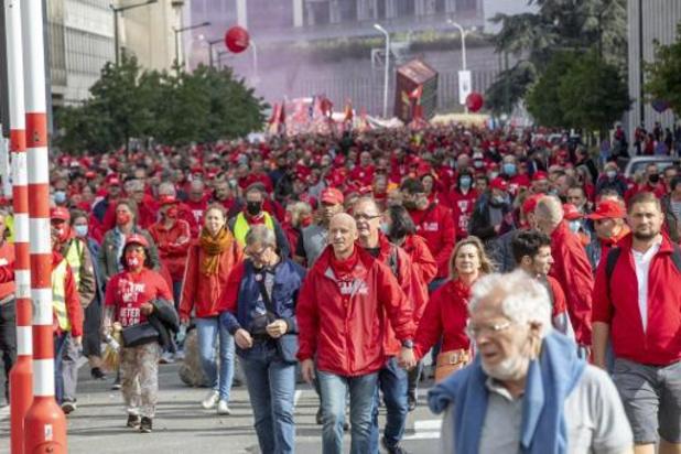 7.000 manifestants à Bruxelles contre la norme salariale, selon la police