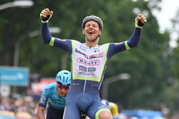 Taco van der Hoorn sprint naar zege in derde etappe van Benelux Tour