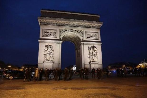 Paris: la manifestation antiviolences policières bloquée à son point de départ