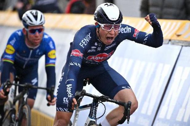 """Philipsen na winst in Ronde van Turkije: """"Super blij dat ik eindelijk win"""""""