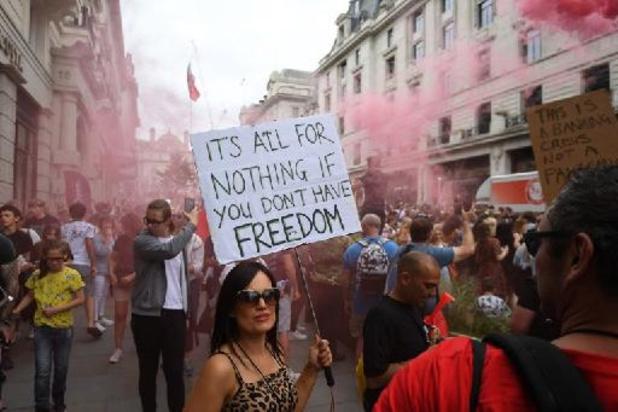 Coronavirus - Des milliers de manifestants à Londres contre les restrictions anti-Covid