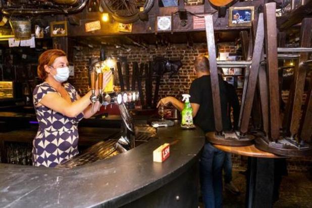 Brusselse cafés gaan een maand dicht