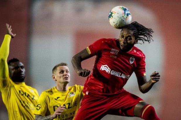 Jupiler Pro League - Dieumerci Mbokani trapt Antwerp naar play-off I