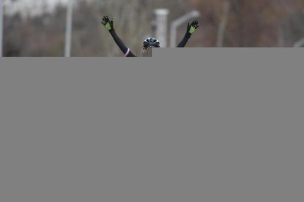 Lucinda Brand wint opnieuw, Laura Verdonschot beste Belgische op 7e plaats