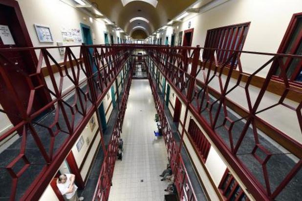 Gevangenen mogen niet douchen, hoewel dat moet van het parlement