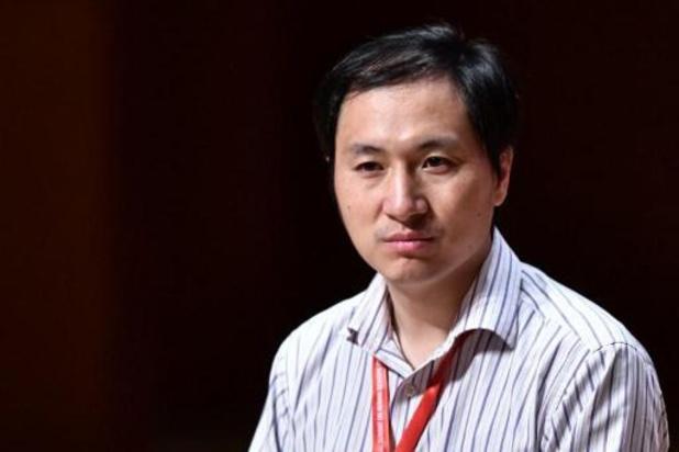 Le créateur chinois des bébés OGM condamné à 3 ans de prison