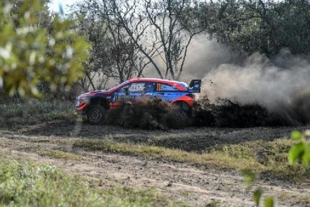 Safari Rally - Neuville vliegt in Kenia, Evans geeft op, Ogier in de problemen