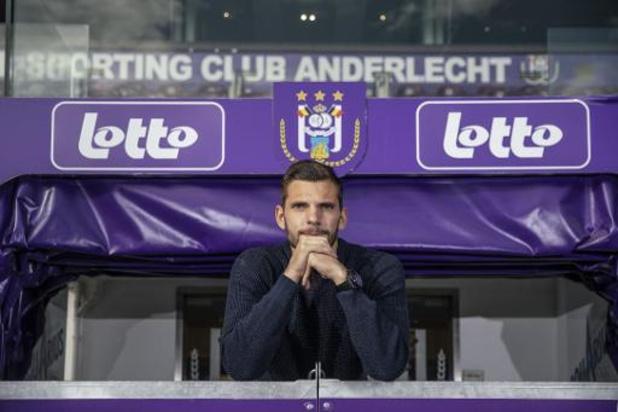 Anderlecht-doelman Van Crombrugge ondergaat rugoperatie en is 3 maanden out