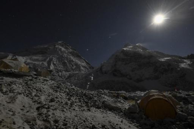 Népal: mort sur l'Everest d'un deuxième guide Sherpa