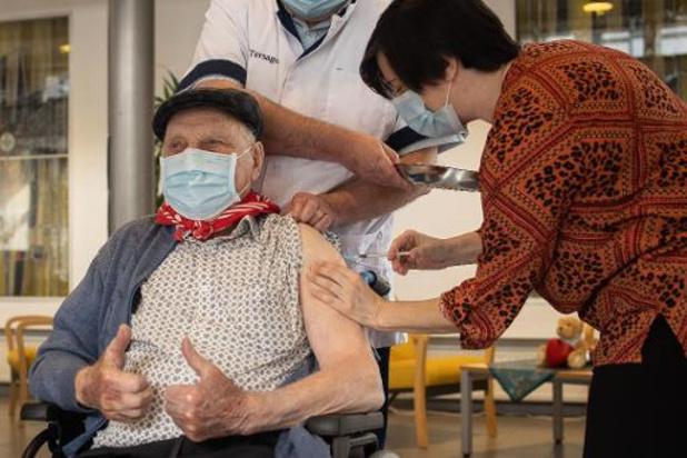 Tien procent 85-plussers niet gevaccineerd in Vlaanderen