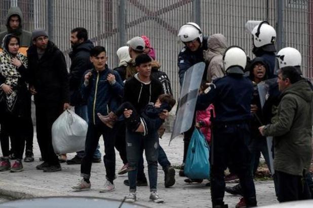 """Griekse oproerpolitie zet """"potentieel dodelijke"""" traangasgranaten in"""