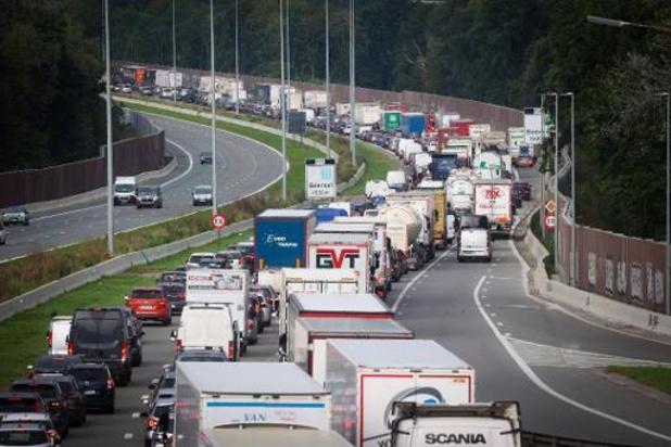 Grote filedrukte op Vlaamse snelwegen: bijna kwart meer file dan voor corona