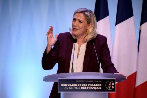 """Marine Le Pen se lance en campagne """"pré-présidentielle"""""""
