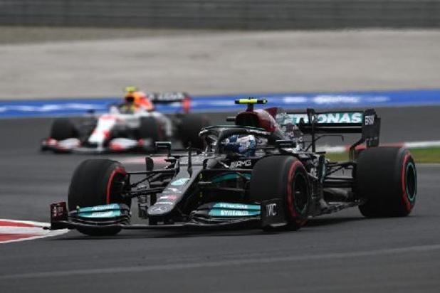 Bottas verovert poleposition, bestrafte Hamilton rijdt snelste tijd kwalificaties