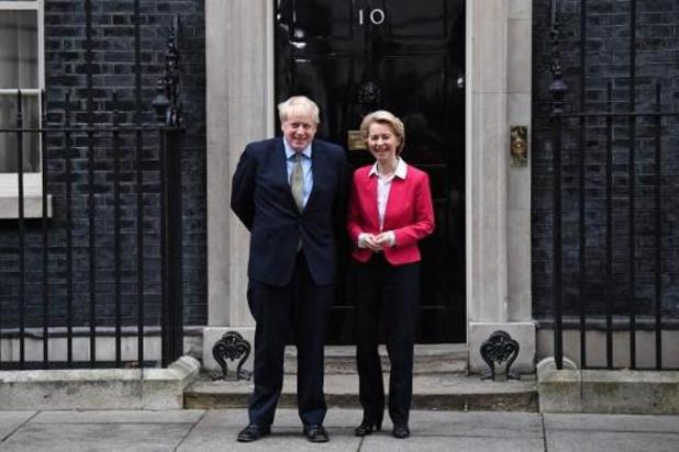 """Londres et Bruxelles conviennent de travailler """"intensément"""" à un accord"""