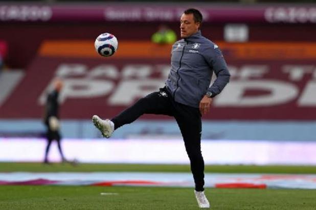 Assistent John Terry verlaat Aston Villa