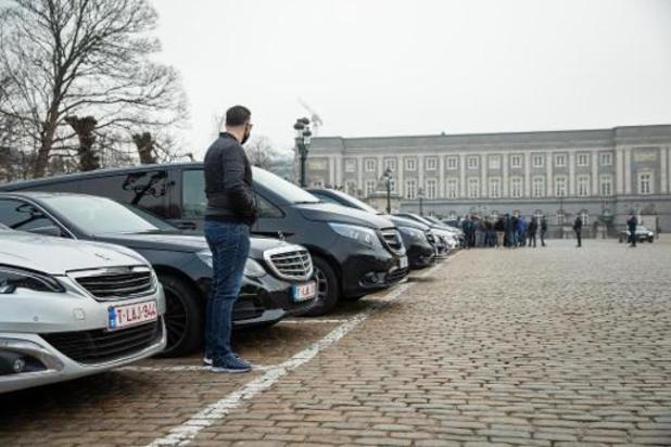 L'exécutif bruxellois divisé sur l'interdiction des smartphones par les chauffeurs Uber
