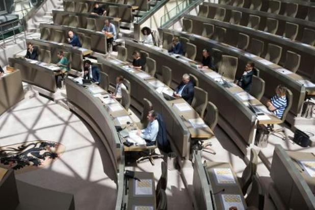 Vlaams Parlement kiest voor ad hoc commissie naar aanpak coronacrisis in woonzorgcentra