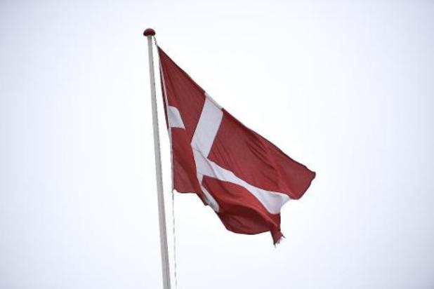 Le Danemark, en semi-confinement, lève quelques restrictions