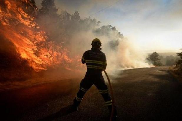 Incendie en Espagne: 2.400 personnes évacuées dans le sud-ouest