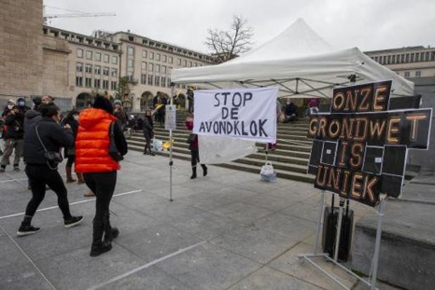 Une septantaine de personnes manifestent à Bruxelles contre le couvre-feu