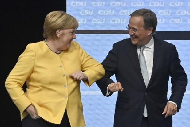 Merkel spreekt vertrouwen uit in beoogd opvolger ondanks slechte peilingen