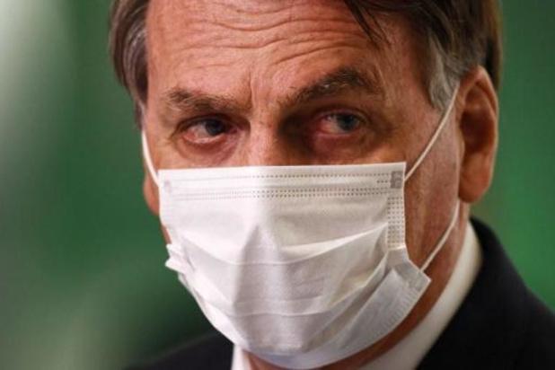 """Covid au Brésil: une commission parlementaire va enquêter sur les """"omissions"""" de Bolsonaro"""