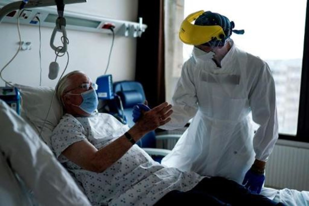 Tous les indicateurs en baisse, moins de 300 malades hospitalisés