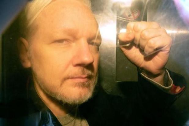 Artsen eisen dringende medische behandeling voor Assange