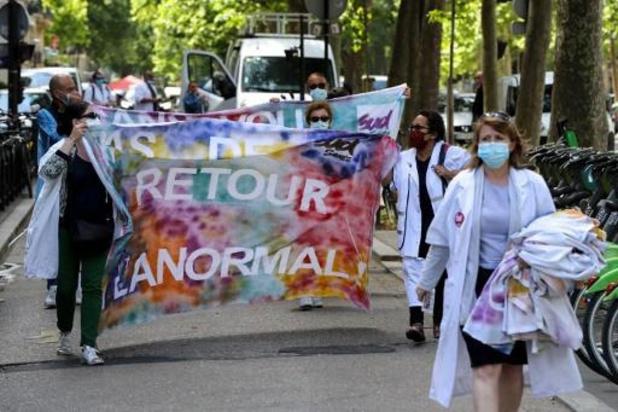 France: le gouvernement promet d'améliorer la rémunération des soignants