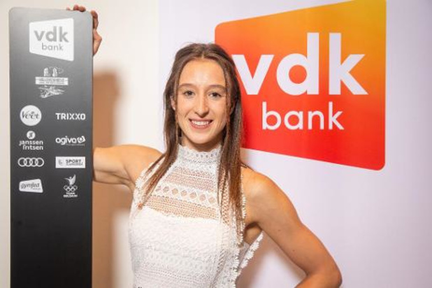 La banque vdk nouveau sponsor de Nina Derwael jusqu'après les JO de Paris en 2024