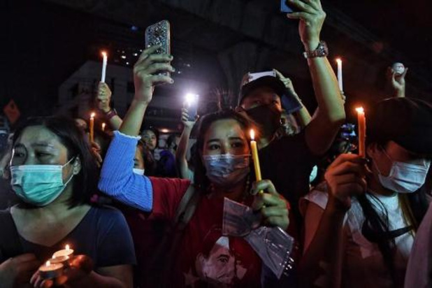 La contestation s'intensifie en Birmanie tandis que l'armée poursuit les arrestations
