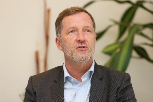 Vaccination obligatoire contre le coronavirus: Paul Magnette ouvert au débat