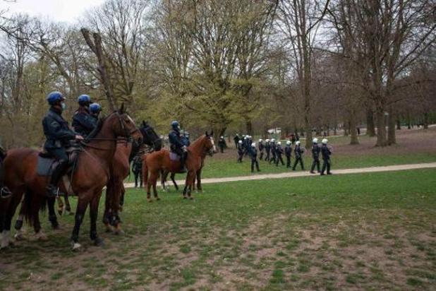 Paarden gleden uit en ruiters vielen eraf