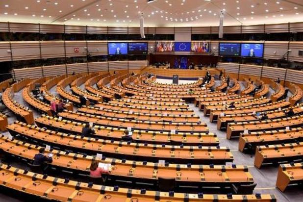 Europees Parlement eist recht op onbereikbaarheid voor werknemers en aanscherping zwarte lijst belastingparadijzen