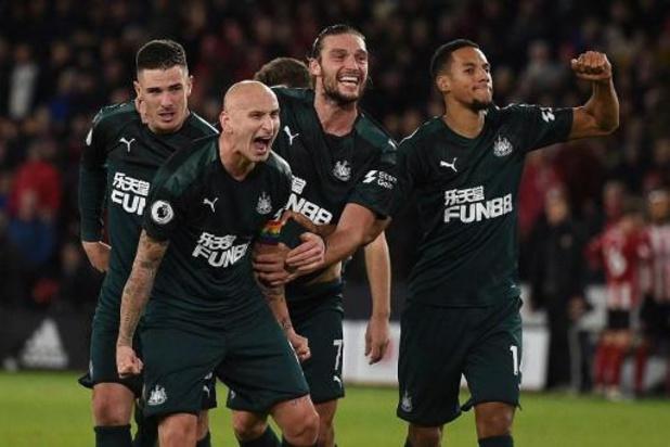 Newcastle helpt oude en kwetsbare supporters met telefoongesprekje
