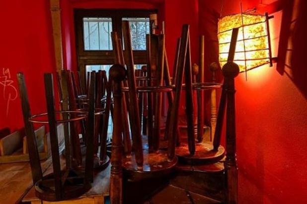 125 Kortrijkse horecazaken slaken 'noodkreet' met symbolische actie