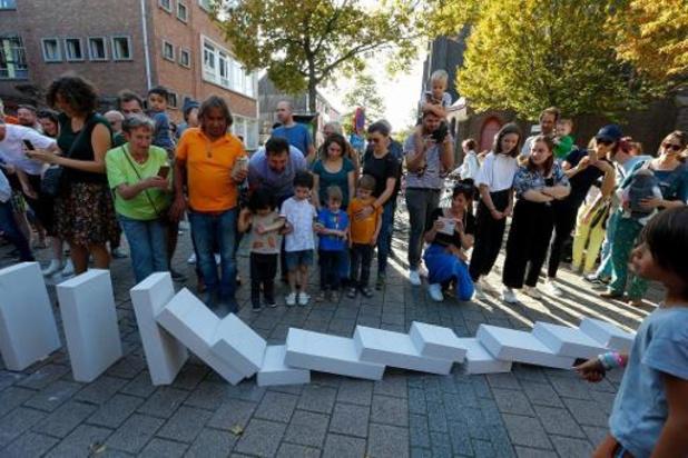 """""""Dominoes"""" geeft startsein van Festival van de architectuur in Gent"""