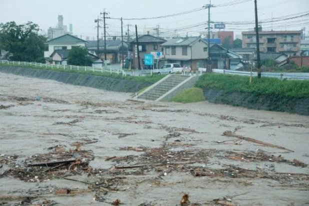 Des dizaines de milliers de Japonais évacués à la suite de fortes pluies