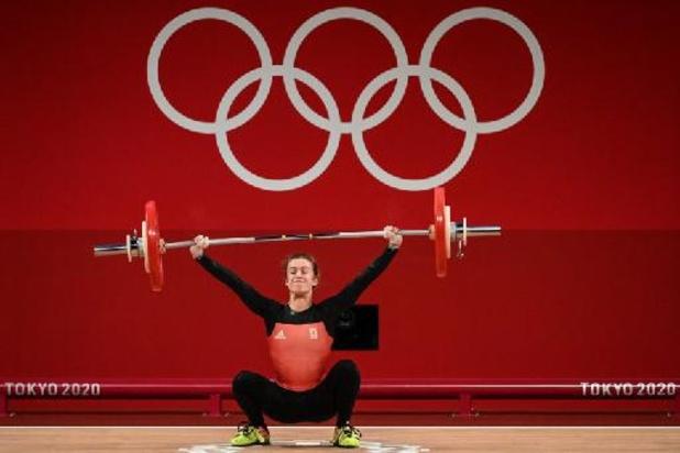OS 2020 - Gewichthefster Nina Sterckx (-49 kg) eindigt met BR knap als 5e, goud voor Chinese Hou