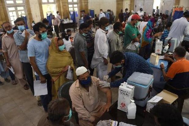 Le Pakistan ouvre un centre de vaccination pouvant accueillir 100.000 personnes par jour