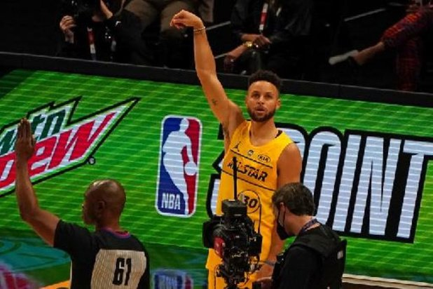 Stephen Curry s'offre Milwaukee, les Lakers le duel des champions