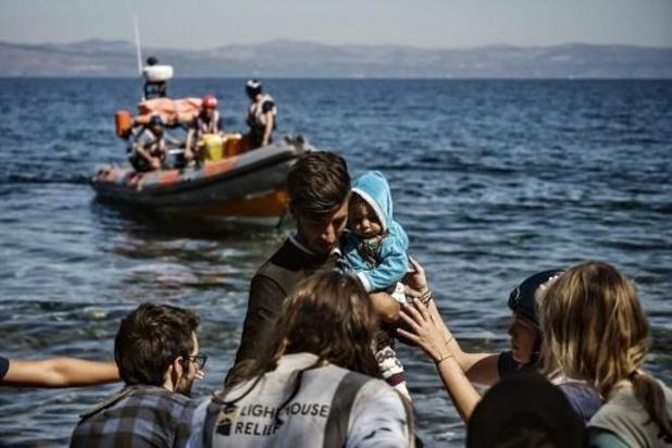 Honderden migranten uit Egeïsche Zee gered