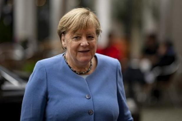 Merkel feliciteert Olaf Scholz met zijn verkiezingssucces